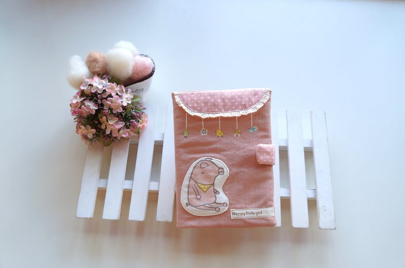 Hand pantined Happy piggy  baby health manual set