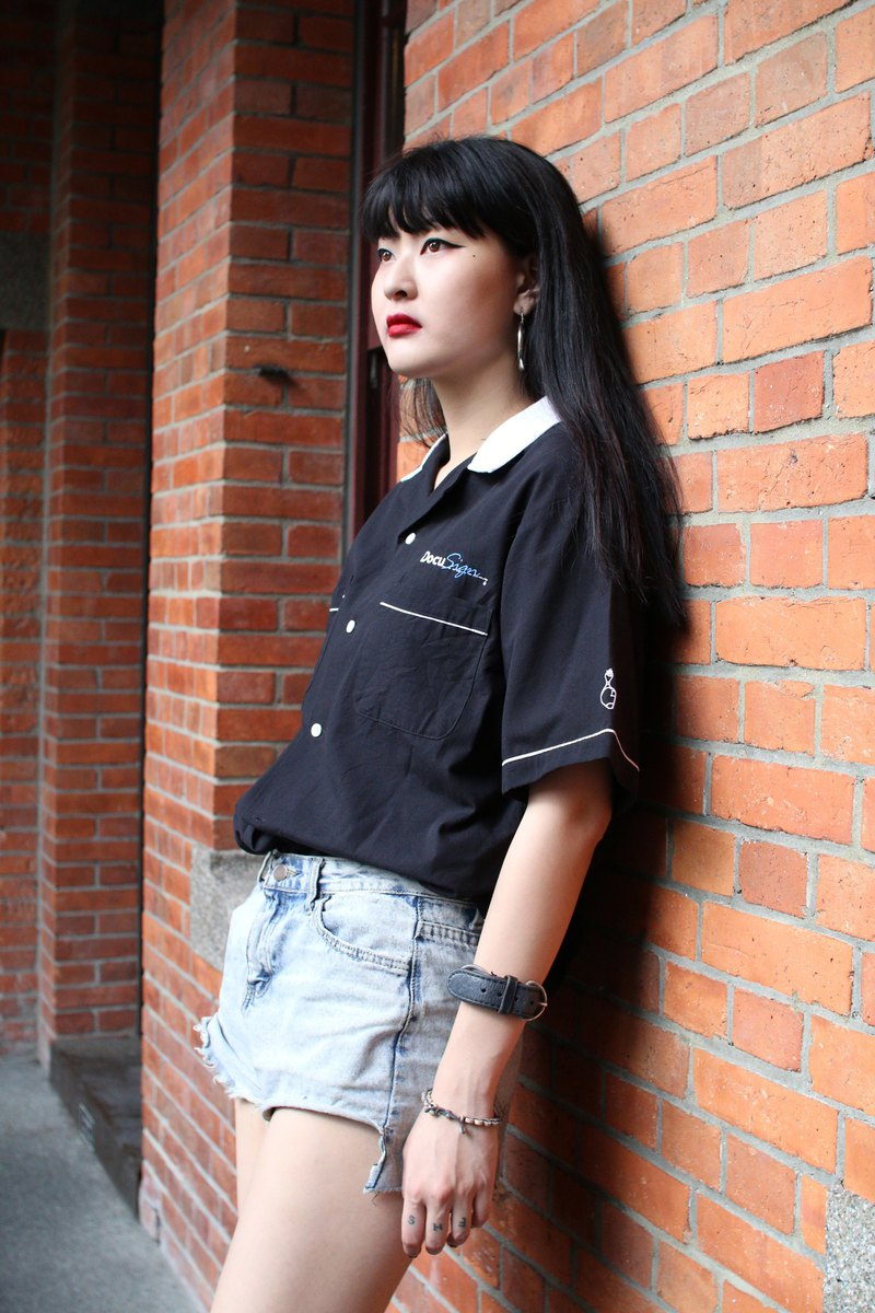 Back to Green:: Bowling Shirt Black and White // Bowling shirt