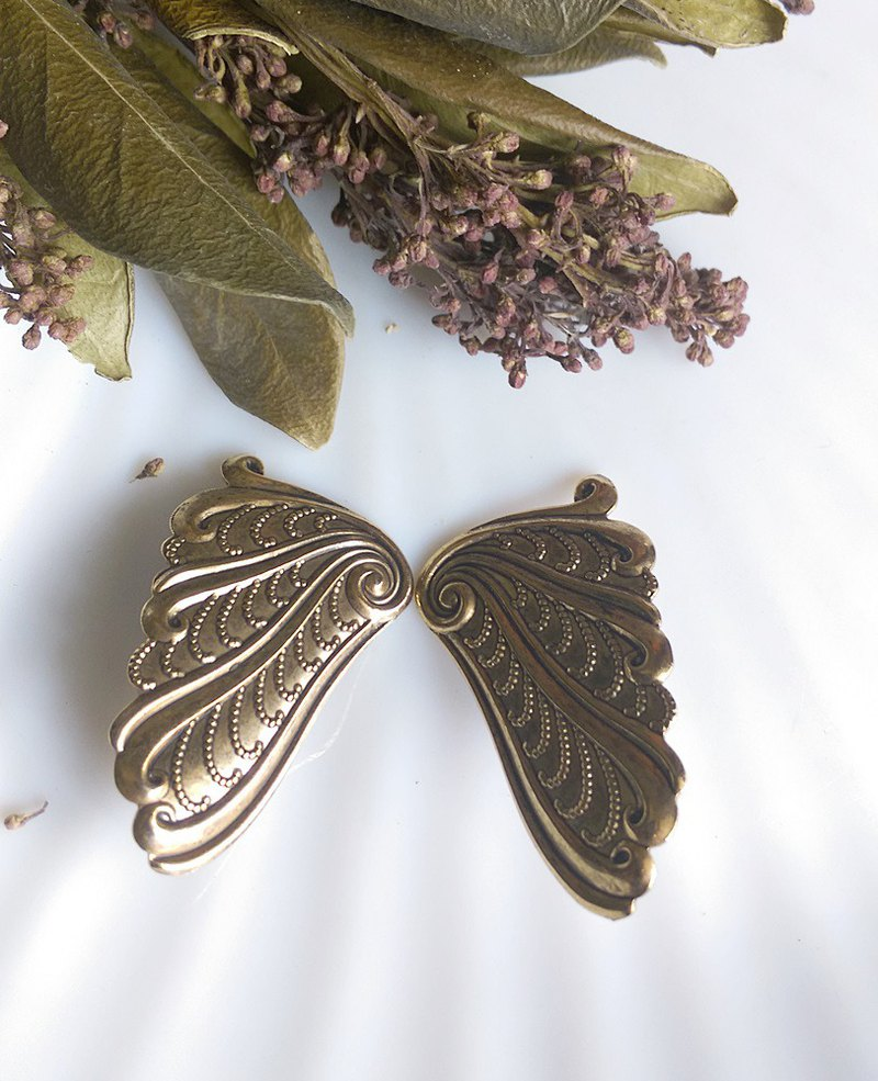 [Western antique jewelry / old age] 1970's butterfly wing clip earrings