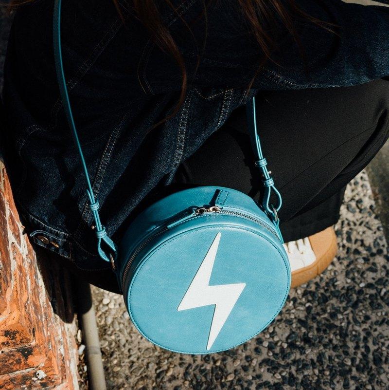 【換季特賣】小圓包 日系單肩包 肩背包 復古仿皮 - 藍色閃電