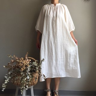 *White Forest*Off-White Collar Sleeve Puff Sleeve Long Dress / Air Sensation