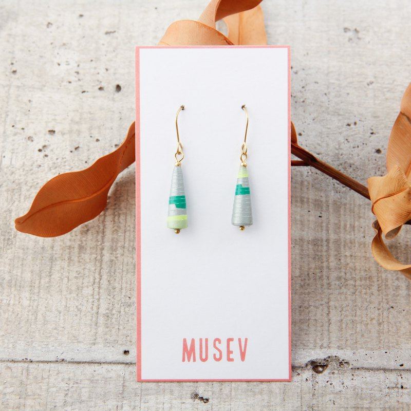 [small roll paper hand made / paper art / jewelry] silver green pattern small awl earrings
