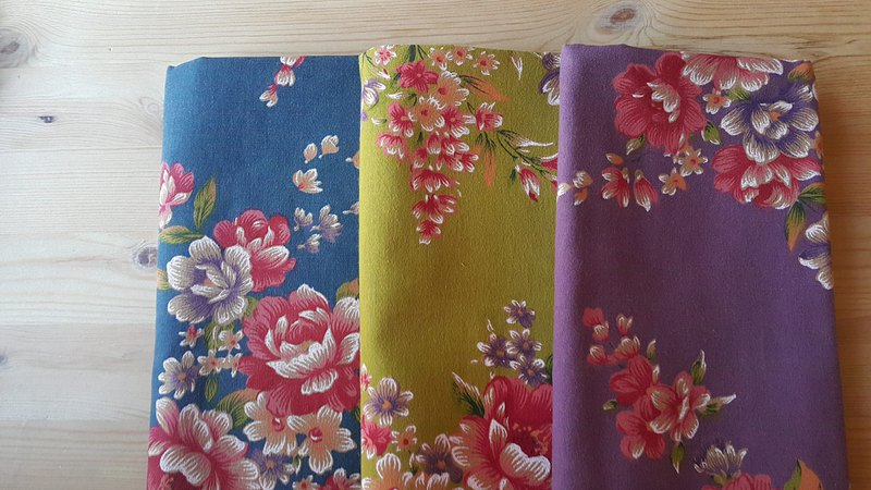 Hakka flower cloth in the cloth selection area