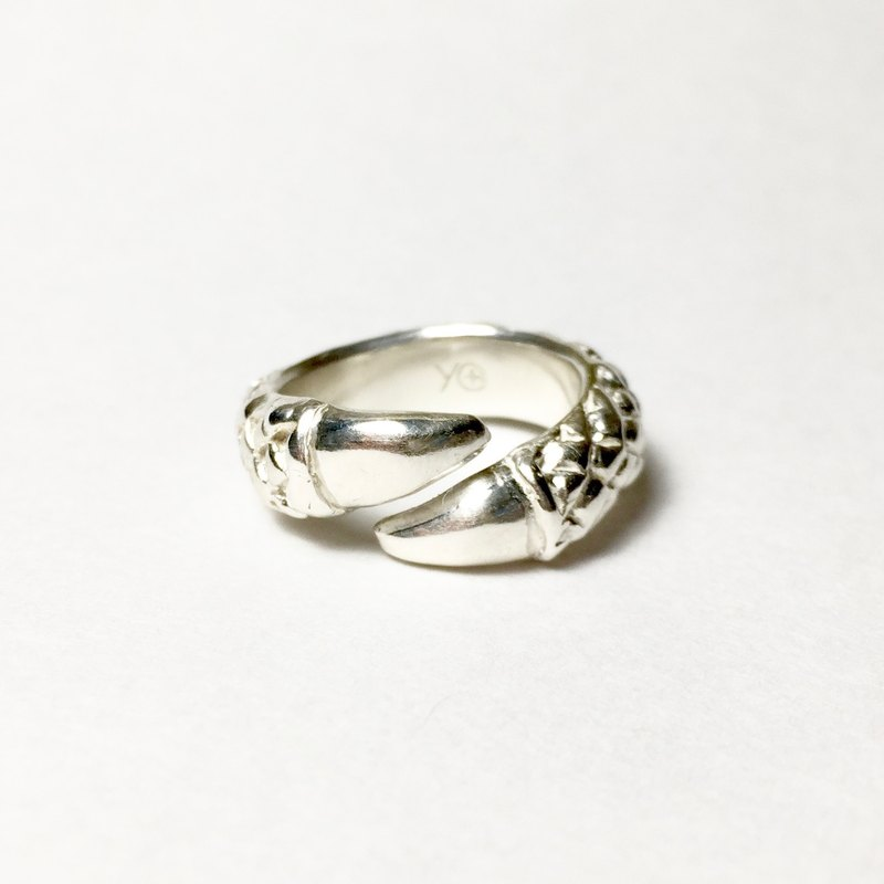 Eagle Claw Ring 925 Silver