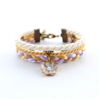 White flower layered bracelet in matte cream / gold / lavender