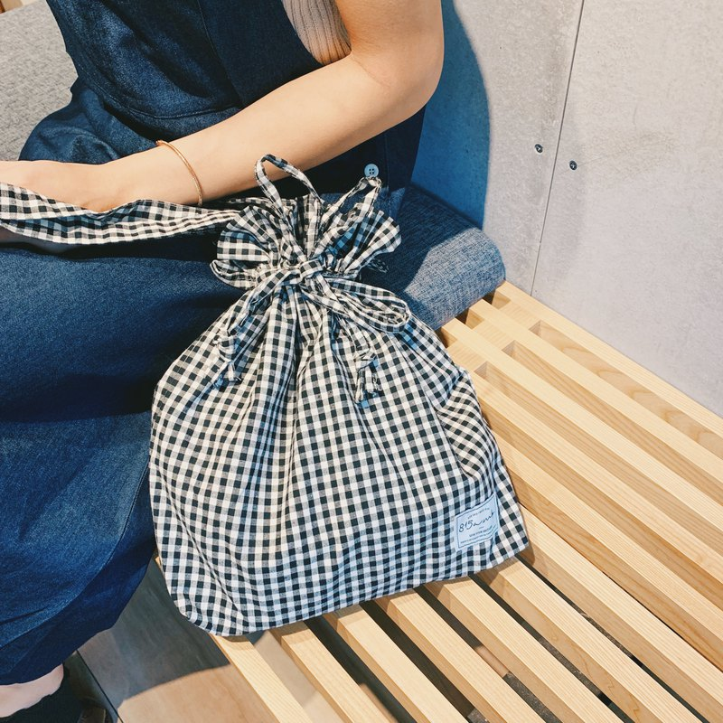 Black plaid rope bag / 815a.m