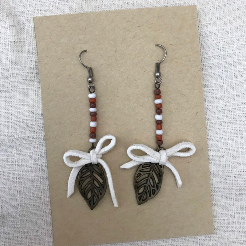 Handmade earrings / autumn we walked through such a long road /