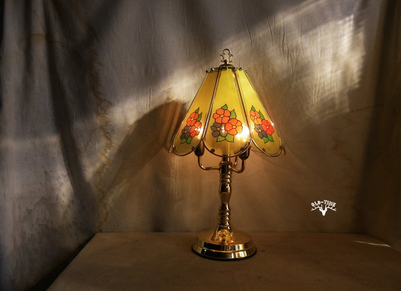 [Old Time OLD-TIME] Early Taiwanese enamel glass table lamp*Taiwan only sent to the post office*
