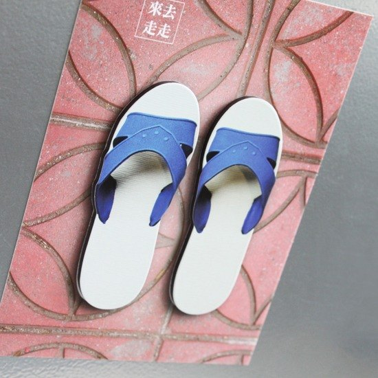 Taiwan Goodies Magnet - Blue-white Slippers
