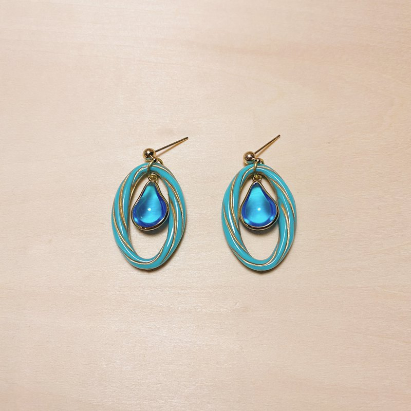 Vintage Light Blue Water Drop Oval Carved Earrings