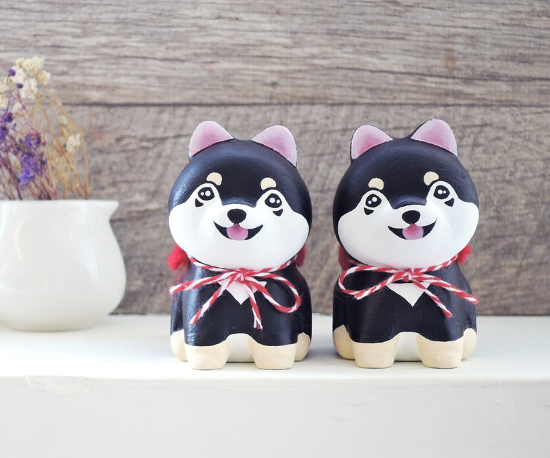Smile, cute, small black firewood, pen holder, paper town, wooden healing ornament, handmade small woodcarving Shiba Inu