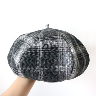 Black and white felt plaid handmade double sided hat hat painter hat
