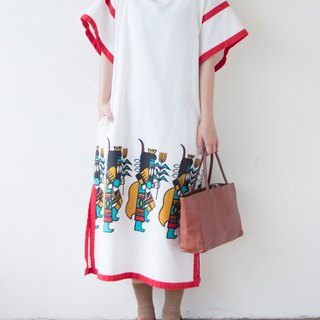 Banana cat. Banana Cats South America ancient civilization villain pattern old cloth wide sleeve open long dress