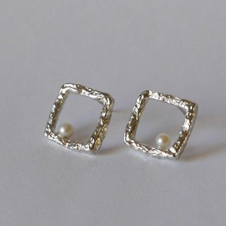 Resale ★ Square pierce (sv)