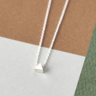 Micro tiny triangular necklace Silver 925