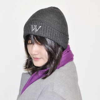 Flat 135 X Taiwan designer knit hat wool cap cap exclusive custom embroidery word