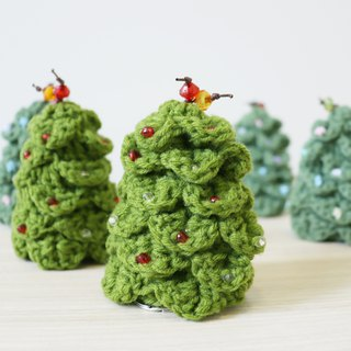 Knitted key cover - Christmas Tree 02