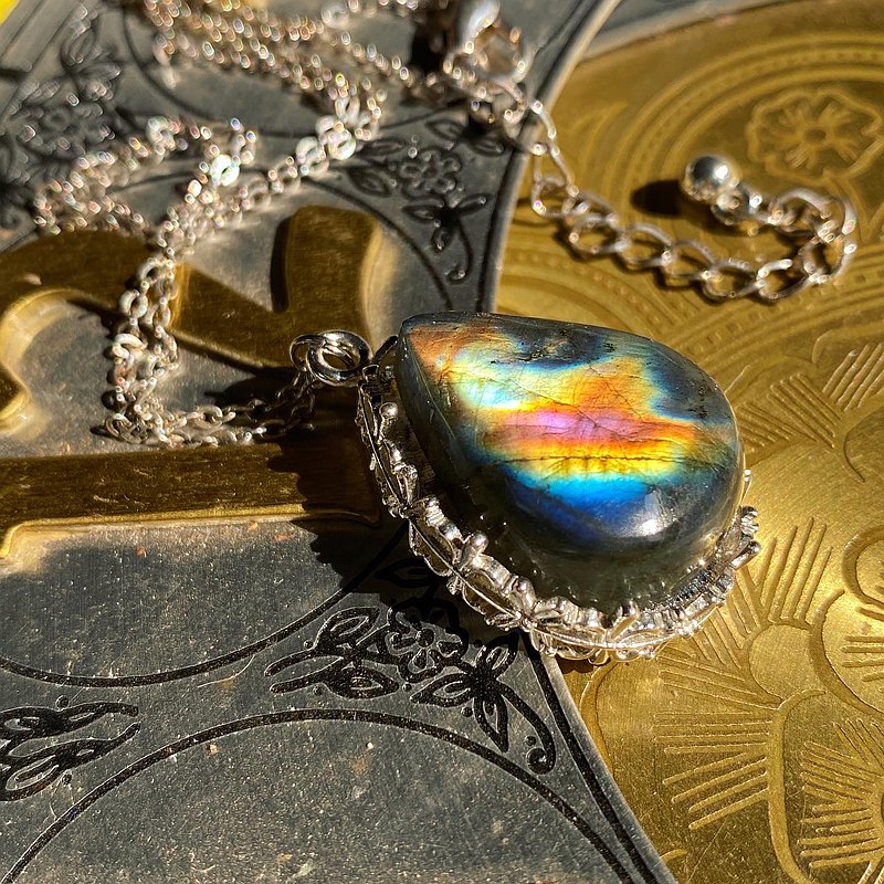 【Lost And Find】Natural Labradorite necklace