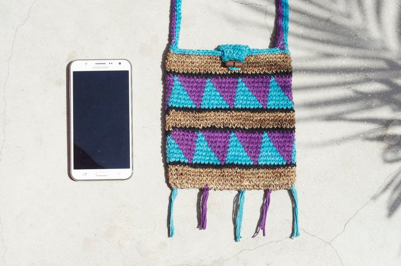 Tanabata gift handmade natural linen bag / national wind woven bag / hook woven camera bag / phone bag / card clip - hand-woven small hill geometric triangle totem woven bag