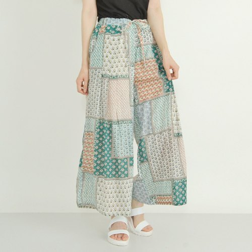 Wide pants with drawcord-like drawcord
