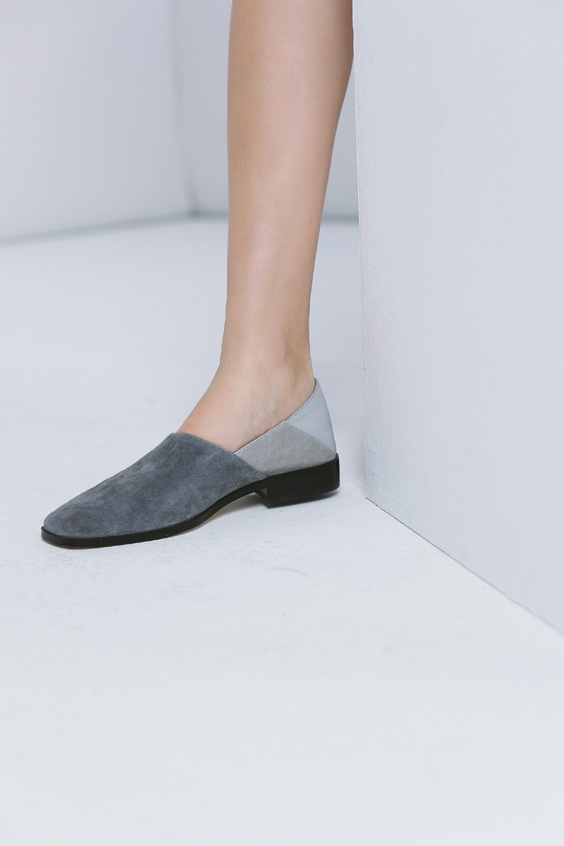 Beveled structure splicing square head slipper type leather shoes gray