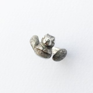 Petite Fille [silver] hand-squirrels Silver Ring