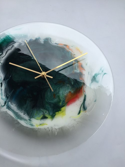[Imitation glass Moon body wall clock] 30cm