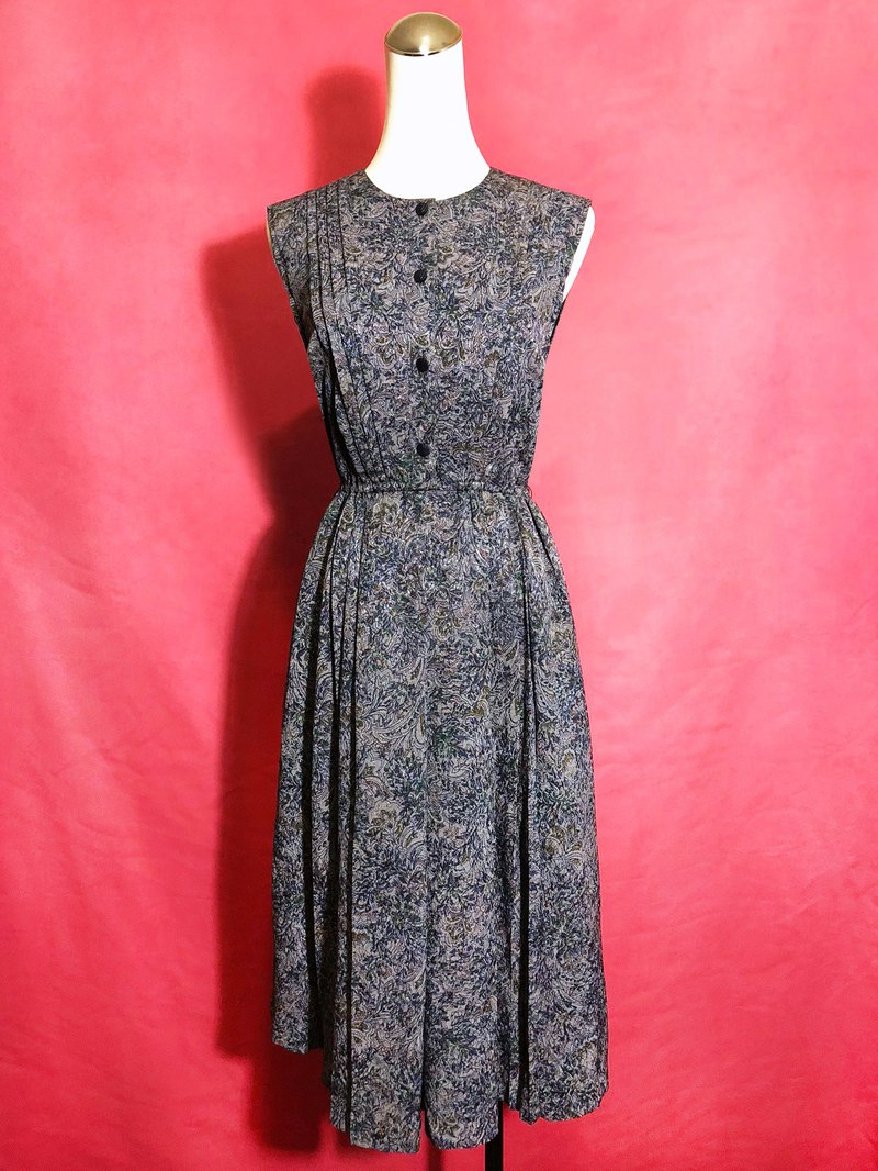 Exquisite textured flowers, sleeveless vintage dress / brought back to VINTAGE abroad