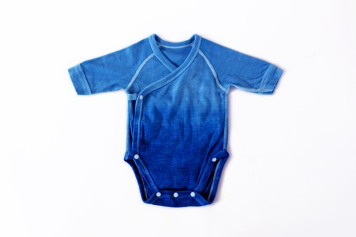 Natural blue dyed / One sleeve long sleeve fart clothing - Gradient blue