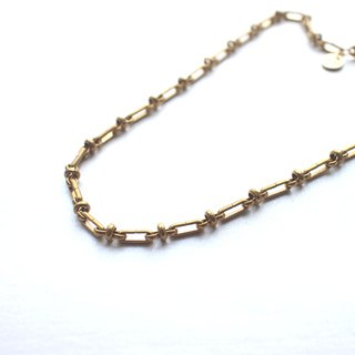 The poemt-Brass necklace