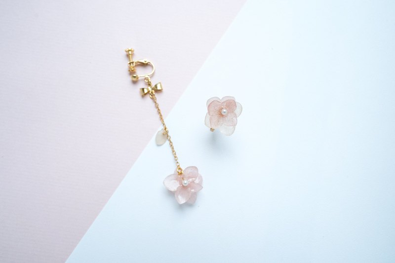 Eternal Flower Resin Earrings Pink