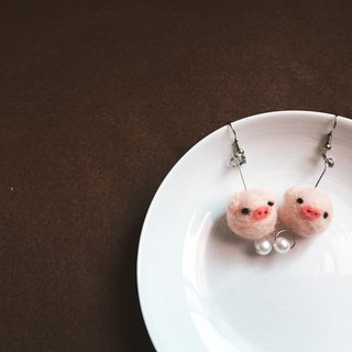 Woolfelting Strawberry Pig Earings_Pendant/Clip-style