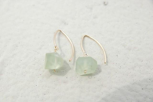 Prehnite of Marquis hook earrings (14 gold gf)