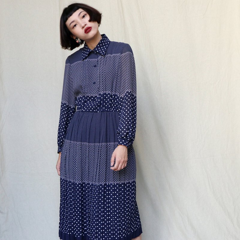 Pumpkin Vintage. Ancient dark blue jade dot long sleeve dress
