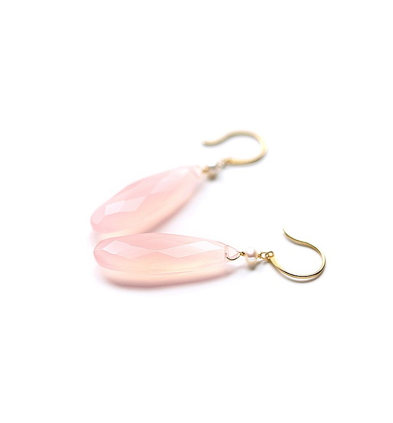 K18 Wrapped in kindness Pink chalcedony (long pair shape) and pearl hook earrings ~ESPOIR NOBLE~