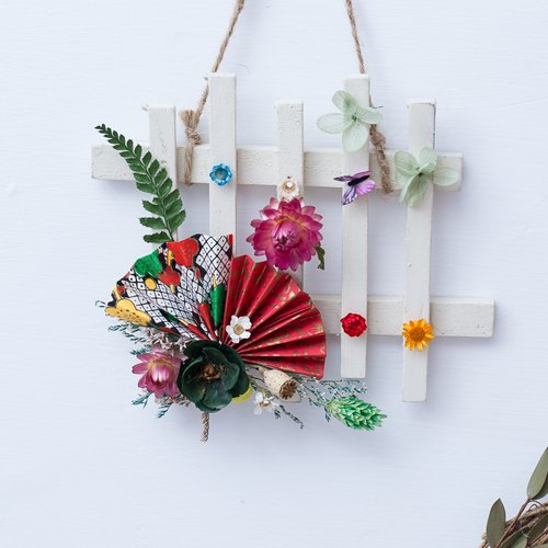 """Three flower cat hand flower"" and the wind hand folding fan hanging flower ornaments"