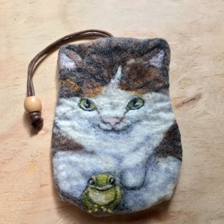 Cat and frog wool keyholder
