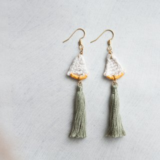 triangle crochet earring w. green