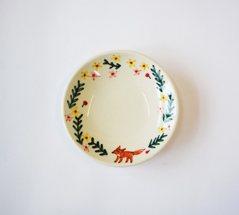 Hand painted small porcelain dish - Wreath small fox