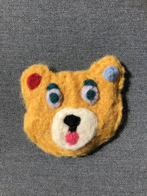 Bear brooch yellow