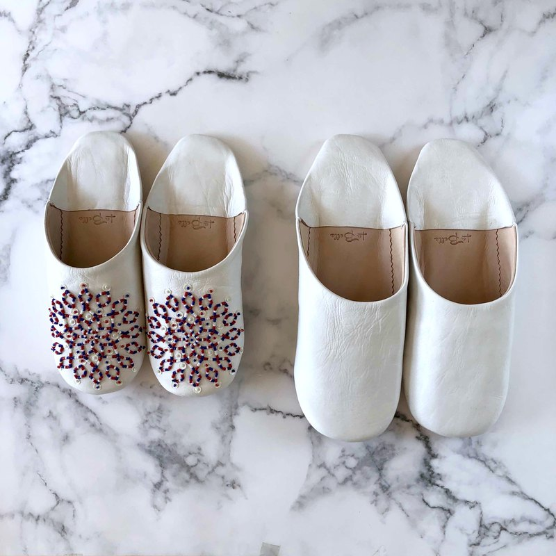 New hand-stitched embroidery elegant babouche (slippers) Noara tricolor and simple white 2 pairs set