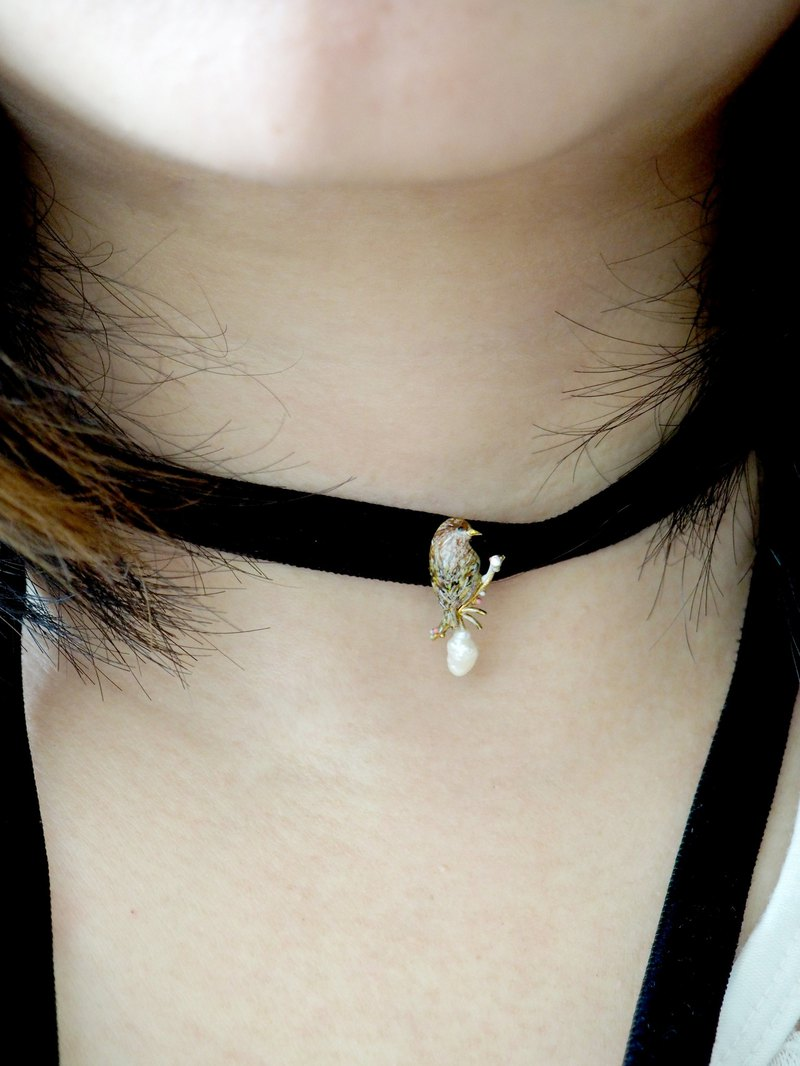 Handmade Jewelry Enamel Cute Milk Tea Color Sparrow Choker Short Necklace Collar Pre-Order