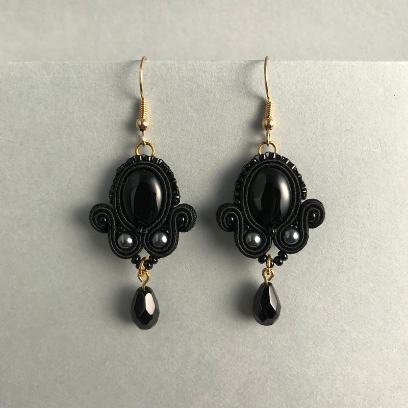 Soutache earrings Black princess