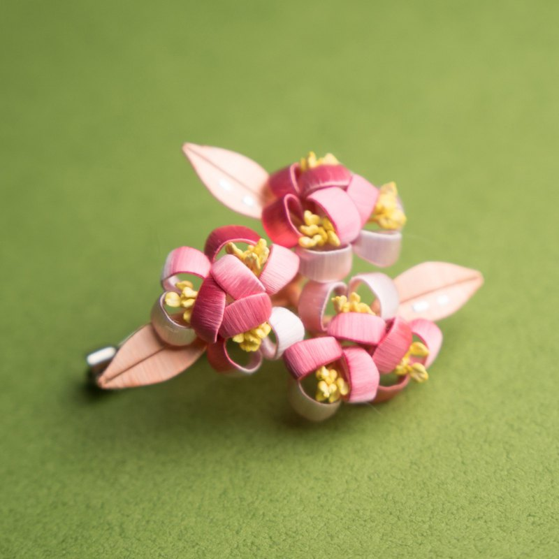 Wrapped flower brooch - hydrangea
