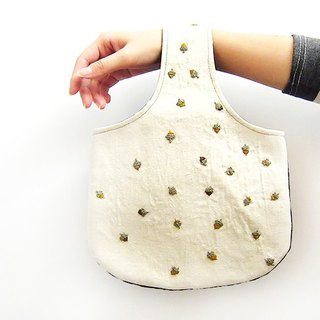 100% PURE pattern full of small shoulder bag / bag Edo [acorns]