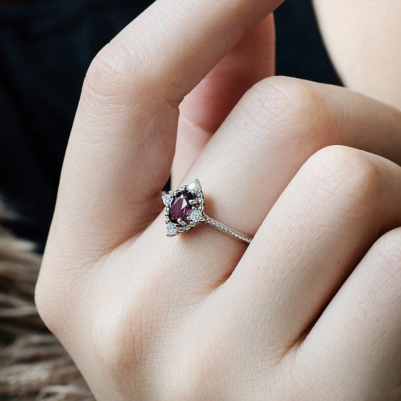 Garnet Garnet 925 Sterling Silver Ring Vintage Gorgeous January Birthstone