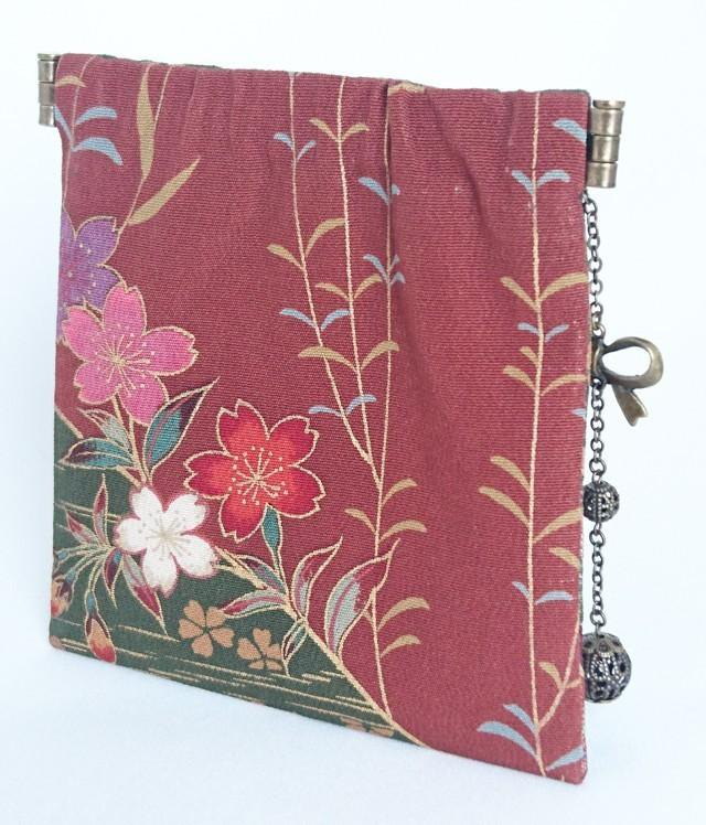 Cute Petanko Bane Pouch 【Silk Small Crest · Flower in Flowing Water】