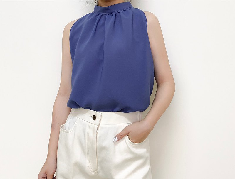 Elegant blue stand collar chiffon cut shoulder vest