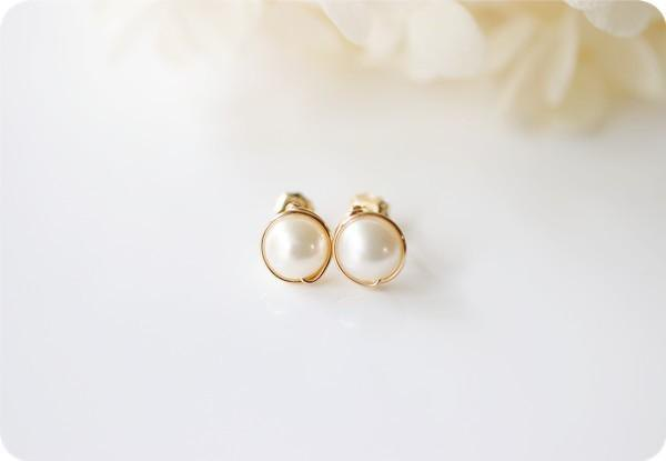 Original medium grain poppy pearl stud earrings that bring happiness June birthstone