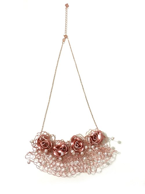 Rose Gold Rose Silver wire crochet necklace plus faux pearl embellishment